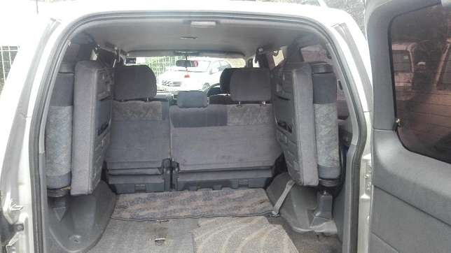 Toyota prado KAZ 7seater 2001 diesel super clean buy and drive auto Hurlingham - image 3