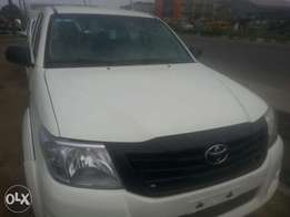 One year used toyota hilux 015 manual