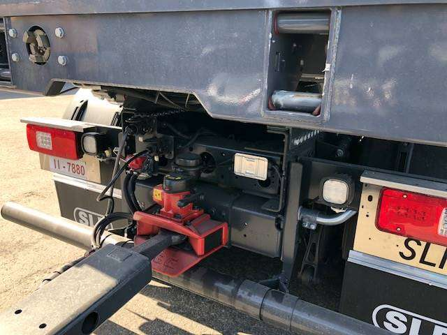 Iveco X-way 35x57 8x4 - 2018 - image 4