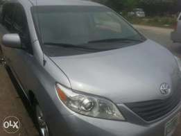 One year used toyota sienna 2012 tincan cleared