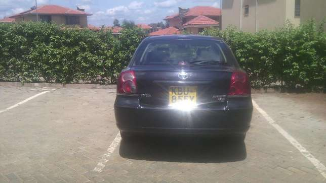 Lady owned Toyota Avensis for Sale! Embakasi - image 5