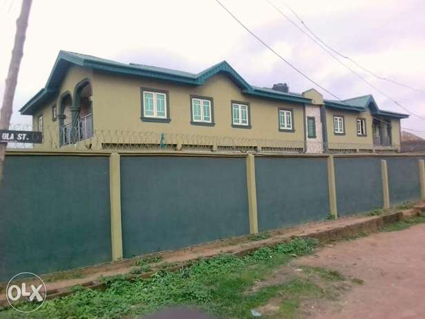 3 Bedroom flat at Akute with Ifo - image 1