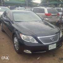 Tincan Cleared Tokunbo Lexus LS460, 2009, Full-Option, Very Excellent.