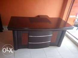 Exclusive executive office table
