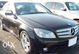 C200 Benz Mercedes 2009 black slighty used
