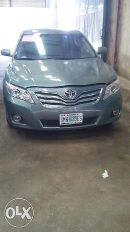 Extremely clean reg 2011 full option camry spider Lagos Mainland - image 3