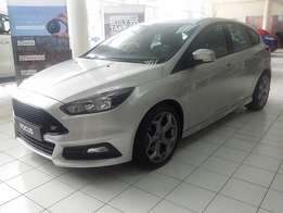 2016 Ford Focus ST 1