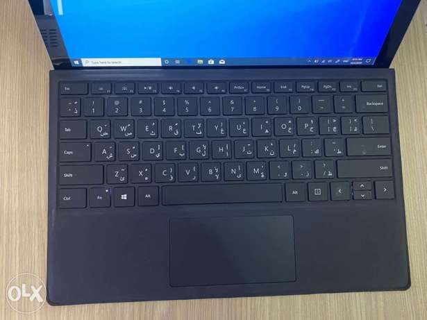 Microsoft surface pro 4 core i5 512GB SSD