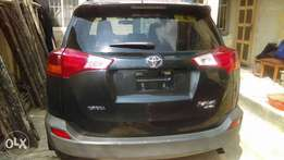 TOYOTA Rav4 2015 model few months used neatly in Nigeria, Accident FRE