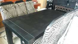 FOR SALE : Dining Room Table