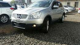Super clean Nissan Dualis,Silver colour,2010model.Buy on hire-purchase