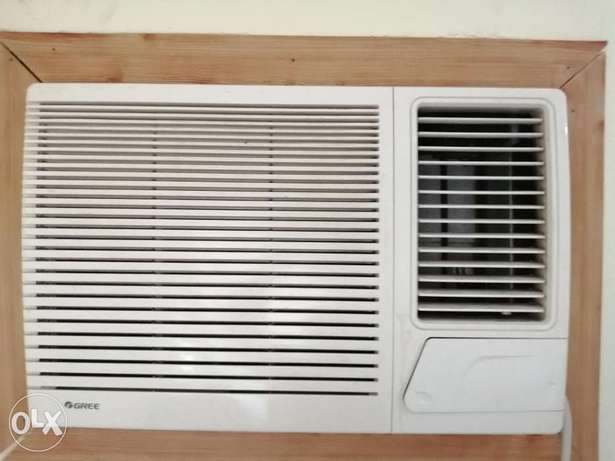 Gree AC very good condition only 2 year use