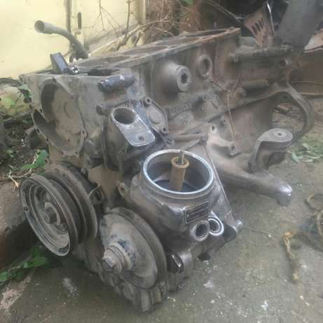 Mercedes M102 230E half engine Nairobi West - image 1