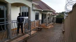 Two bedroom two bathroom house for rent Kira