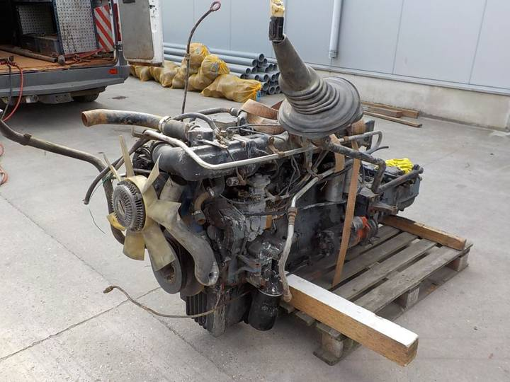 18.232 with ZF-GEARBOX (6 CYLINDER/ MANUAL PUMP) - 1990