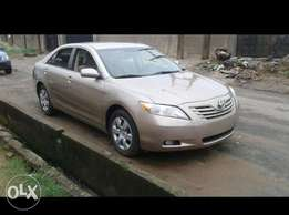 2007 Toyota Camry LE with V6 Engine