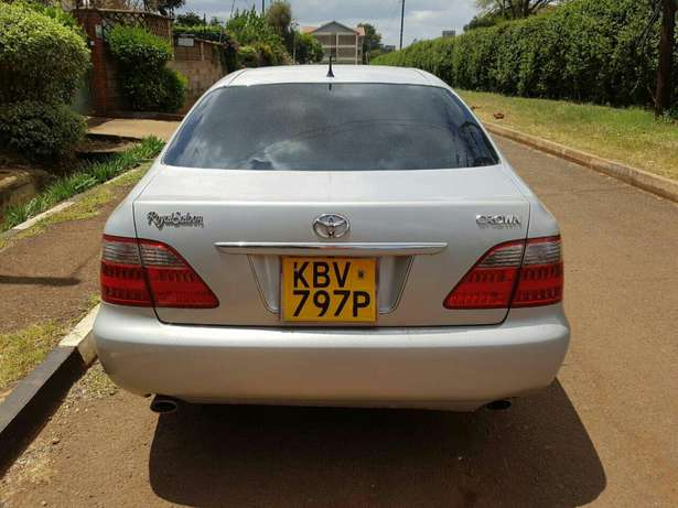 Toyota Crowne RoyalSaloon Eldoret North - image 4