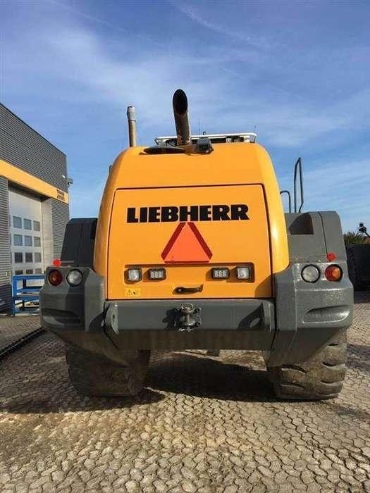 Liebherr L586 - 2015 - image 4