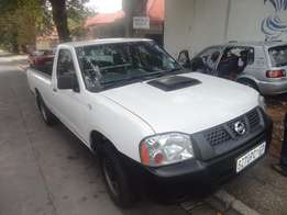 Nissan 2.0 Single cab bakkie cars for sale in South Africa