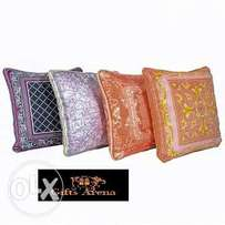 Deluxe Throw Pillow Set
