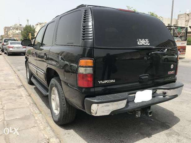 GMC yukon SLT 2005 BLACK.
