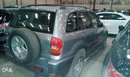 Clean!! Toyota Rav4 2005 model