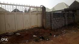 600sqm land at Fha Lugbe