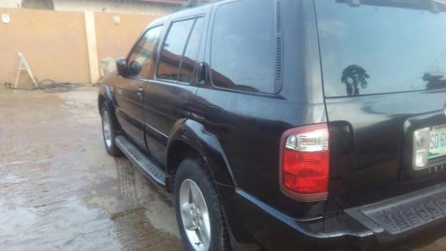Check this Nissan infinity QX4 out a/c auto drive leather seat alloy Ikeja - image 3