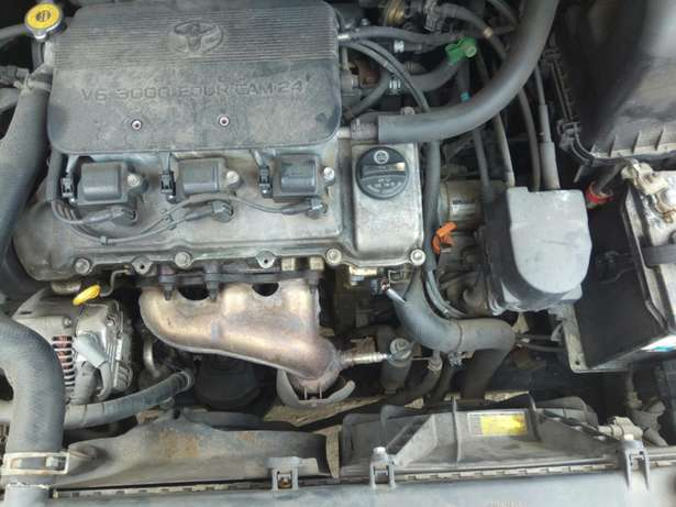 Toyota sienna 2000 model CE Low mileage fabric seats chilling Ac Surulere - image 7