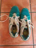 GM Cricket Spikes (Soft) Size 10 UK For Sale!! Excellent Condition!!