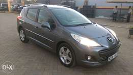 Extreemly Clean Peugeot 207 SW 2010