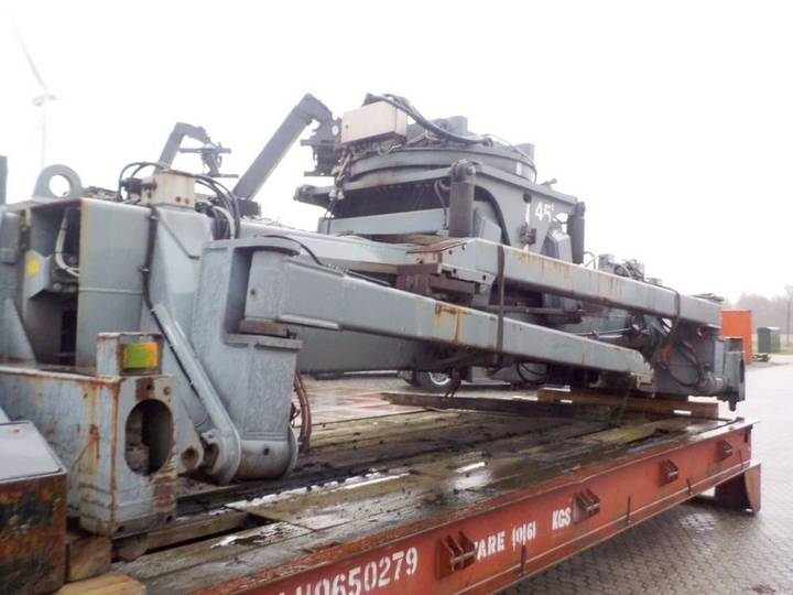 Elme 857 (spreader)  equipment - 2000