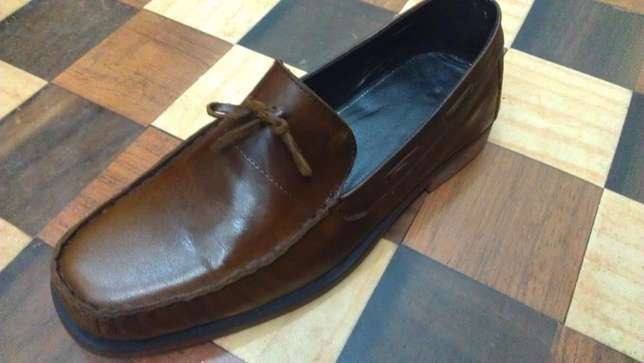 an ACQUILA vintage pure leather loafer size 42(uk 8) Kampala - image 1
