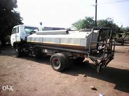 Iam selling my water truck isuzu