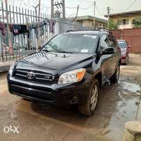 Super clean toks Rav4