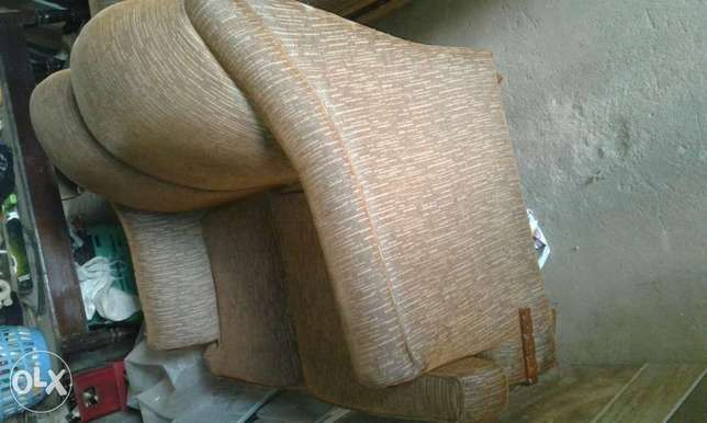 5- seater couch Thika - image 4