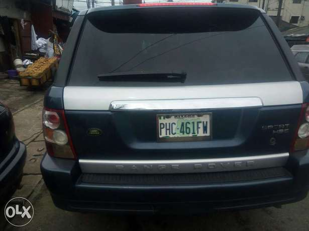 Fairly used range rover in a very sound and perfect condition Port-Harcourt - image 6