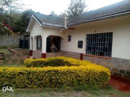 Three bedroom bungalow for rental own compound in Kileleshwa