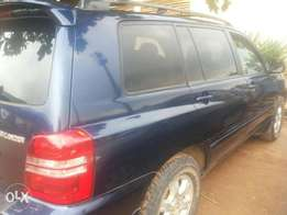 Neatly used toyota highlander for sale