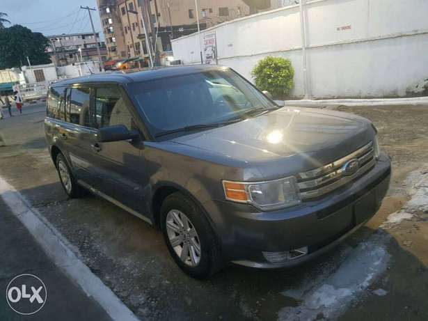 FORD FLEX 2010 Model now on Offer Lagos Mainland - image 2