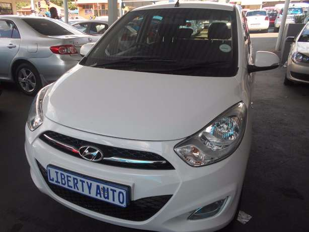 2011 Hyundai i10 1.2 Fluid 54,040km Hatch Back Manual Gear Electric Wi Johannesburg CBD - image 7