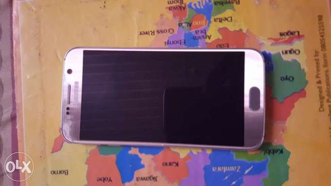 Gold Samsung Galaxy S6 for sale Osogbo - image 1