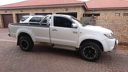 2004 toyota hilux bakie in immaculate condition for sale