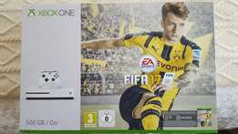 ( 1 week old ) White Xbox One + FIFA 17
