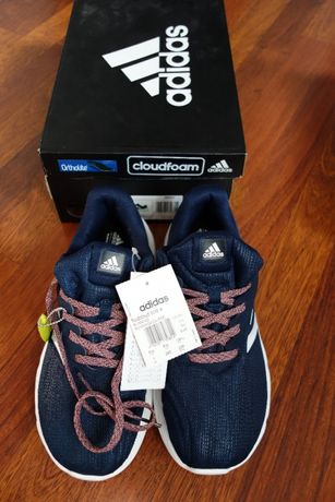 Damskie buty do biegania Fluidcloud Bold marki Adidias