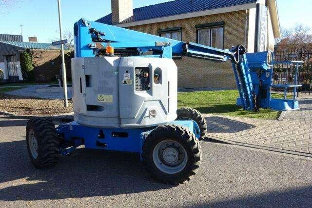 Genie Z34/22 Diesel 4x4 - 2007 - image 4