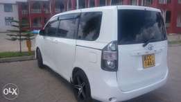 Toyota Voxy KCC, Extra Clean.