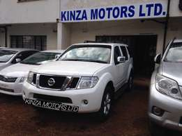 Nissan Pathfinder 2013 local