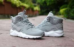 Nike huarache hightop shoes