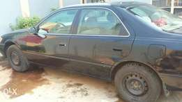 Toyota Camry 1999 in great shape up for grabs